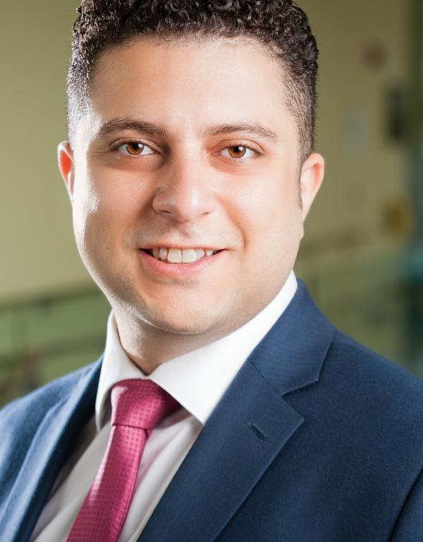 Dr.  Michael Yacob