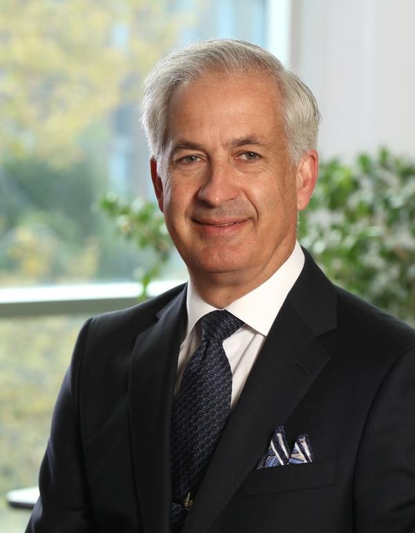 Dr.  David Zelt